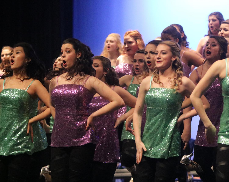 Senior+Emily+Dobesh+sings+her+heart+out.+