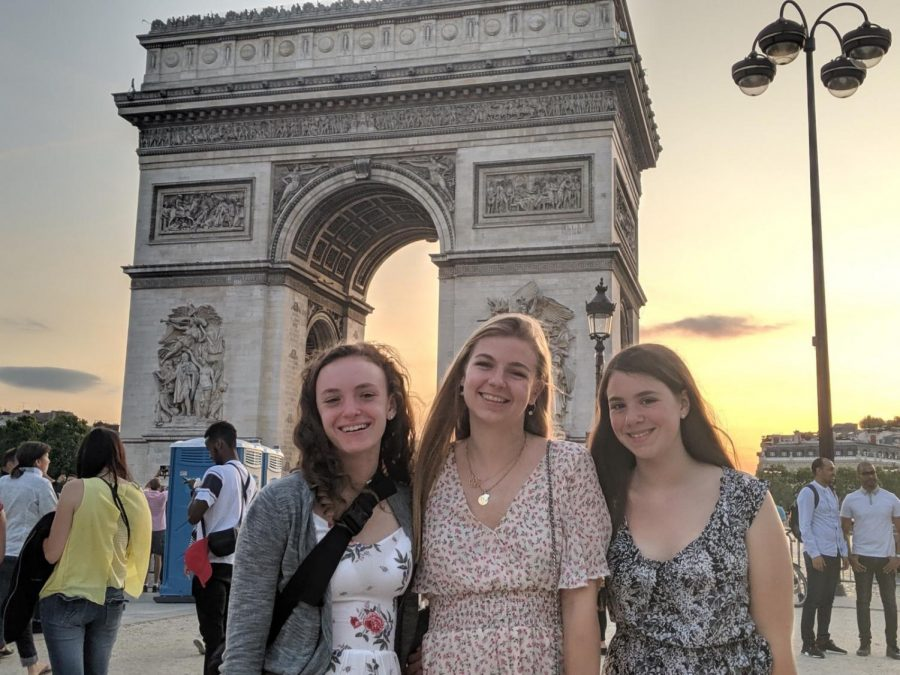 Sophomore Addison Smith, her younger sister and Cassy Milward pose in front of the Arc de Triomphe, on of the most famous monuments in Paris.