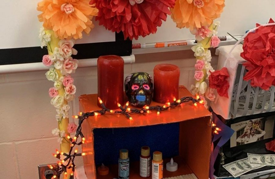This is the winning Ofrenda of Sra, Kaiser's second block class. Juniors Kaitlin Reynolds, Alaina Anderson and Karson Koubsky used their creativity along with their knowledge of the culture to participate in this Day of the Dead activity.