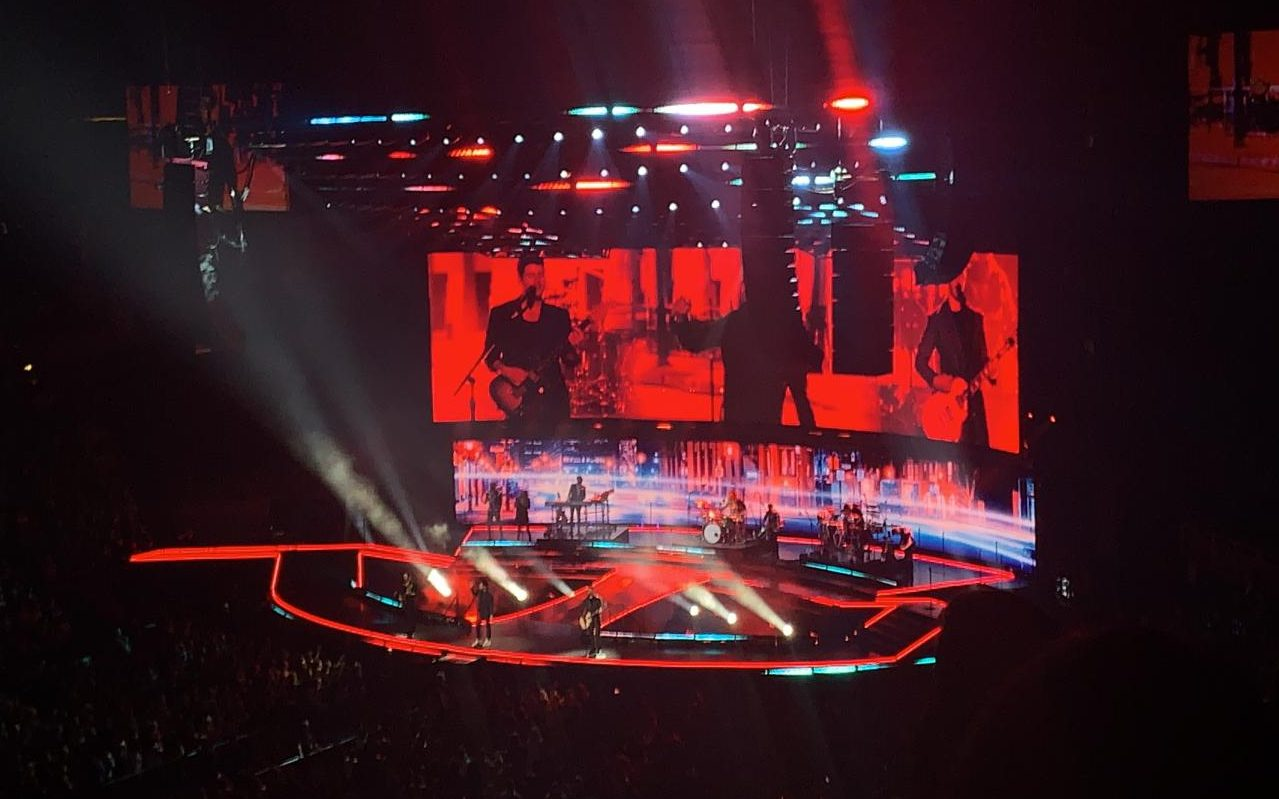 The Jonas Brothers tour had lots of lights and special effects that helped the overall effect of the show.