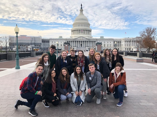 Student+journalists+traveled+to+Washington+DC+for+the+JEA%2FNSPA+Fall+National+High+School+Journalism+Convention.+While+in+DC%2C+students+had+the+opportunity+to+go+sightseeing.+They+are+pictured+in+front+of+the+Capitol.