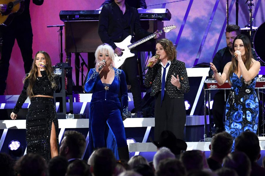 Maren+Morris%2C+Tanya+Tucker%2C+Brandi+Carlile+and+Natalie+Hemby+perform+at+the+%0A53rd+Annual+CMA+Awards.+These+women%2C+and+many+other+country+artists+are+speaking+up+about+gender+imbalance+in+the+industry.+%0A