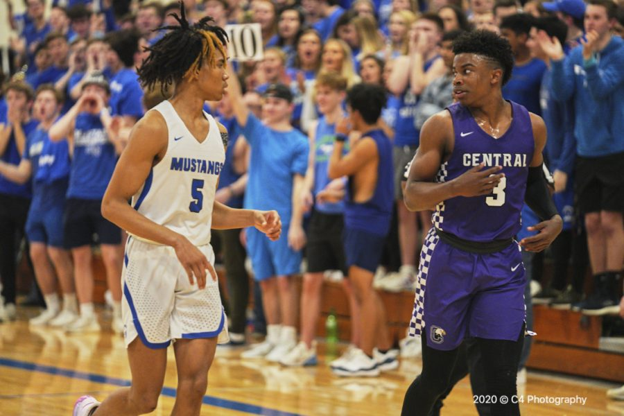 Junior Hunter Sallis and senior Latrell Wrightsell combined for 72 points in Central's win at Millard North