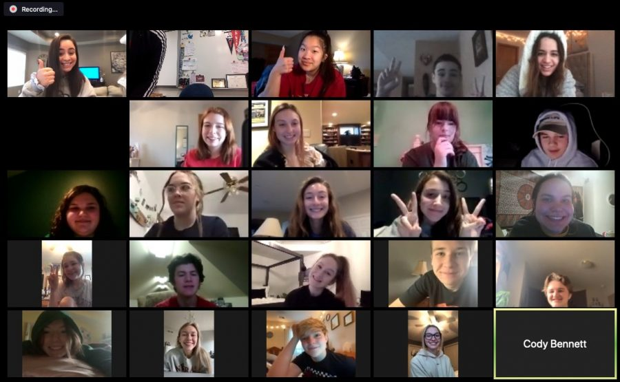 Journalism+students+seen+collaborating+with+each+other+through+the+video+chatting+app+Zoom.+