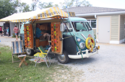 One of the attendants of the festival brought in their own miniature home. The outside interior of the van was teal, purple, and a dark blue shade and even had a pullout roof. This Volkswagon is perfect for travel and is decorated with blankets, posters, and all the colorful things you could imagine.