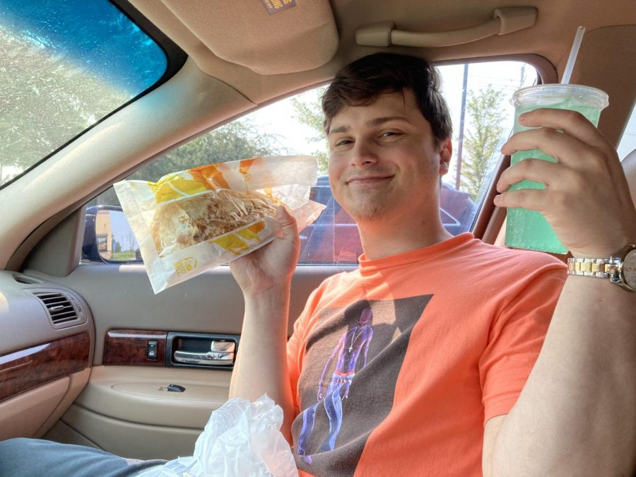 Many+student%E2%80%99s+enjoy+going+out+to+eat+for+lunch.+Senior+Dillon+Von+Freiberg+enjoys+his+time+off+at+Taco+Bell.+%E2%80%9CWhen+in+doubt+I+always+go+to+Taco+Bell%2C%E2%80%9D+Von+Freiberg+said.+%E2%80%9CYou+can+really+never+go+wrong+with+anything%2C+but+I+personally+get+the+steak+quesadilla.%E2%80%9D
